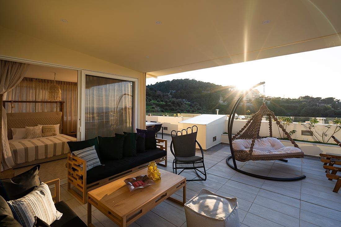 Helen Luxury Holiday - Balcony